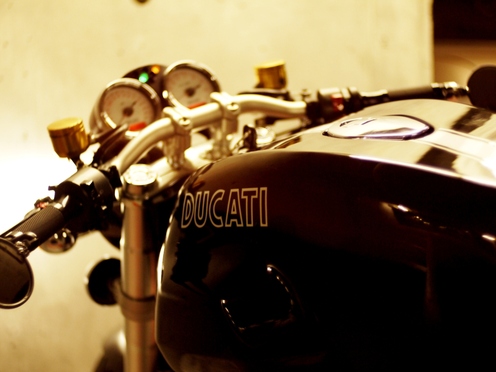 ducati sport classic motorcycle by Ilyshenka