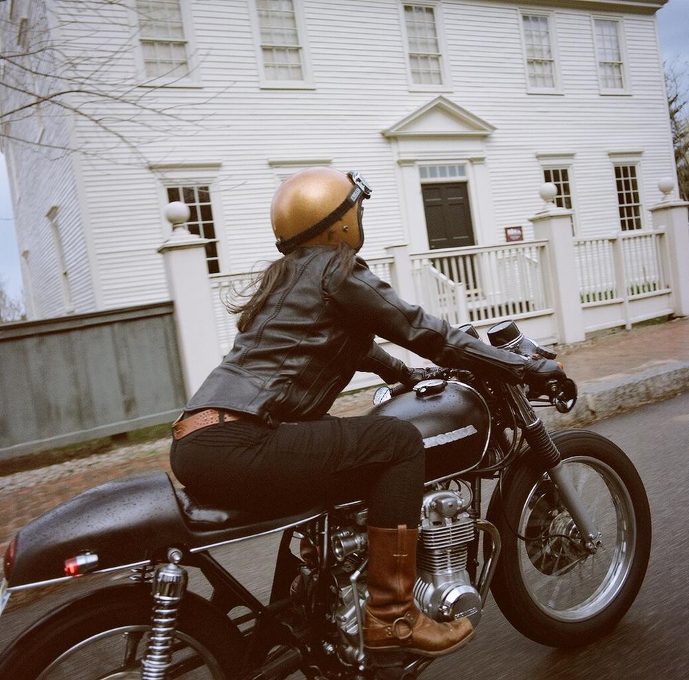 Mindi & Her Honda Cafe Racer – Moto Lady