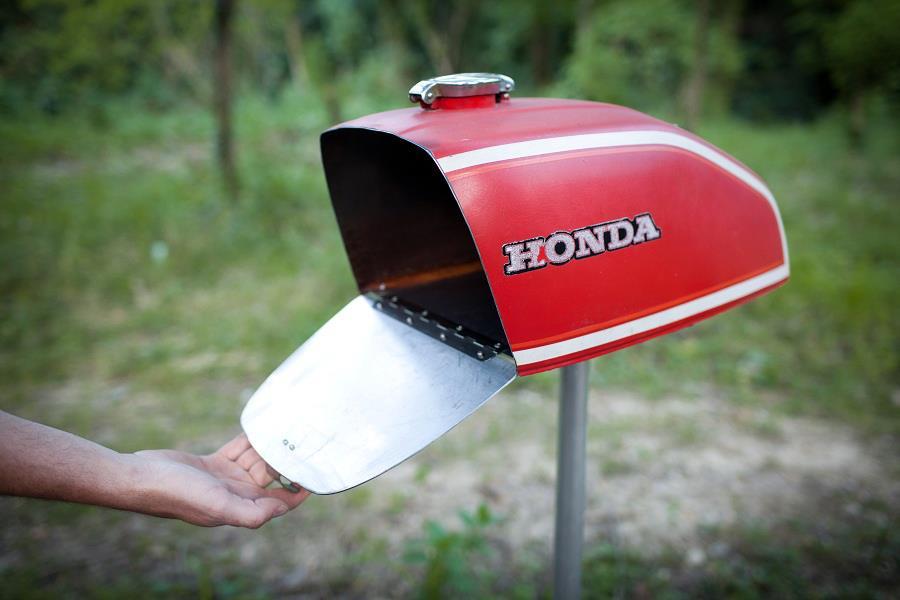 lorenzo-buratti-motorcycle-mailbox