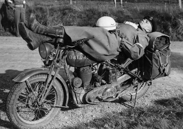 Dispatch rider takes a moment of peace - driftingfocus.com