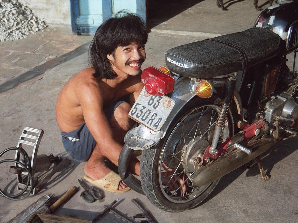 nick-dewolf-1995-vietnam