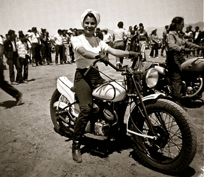 patti-waggin-motorcycle-stripper2