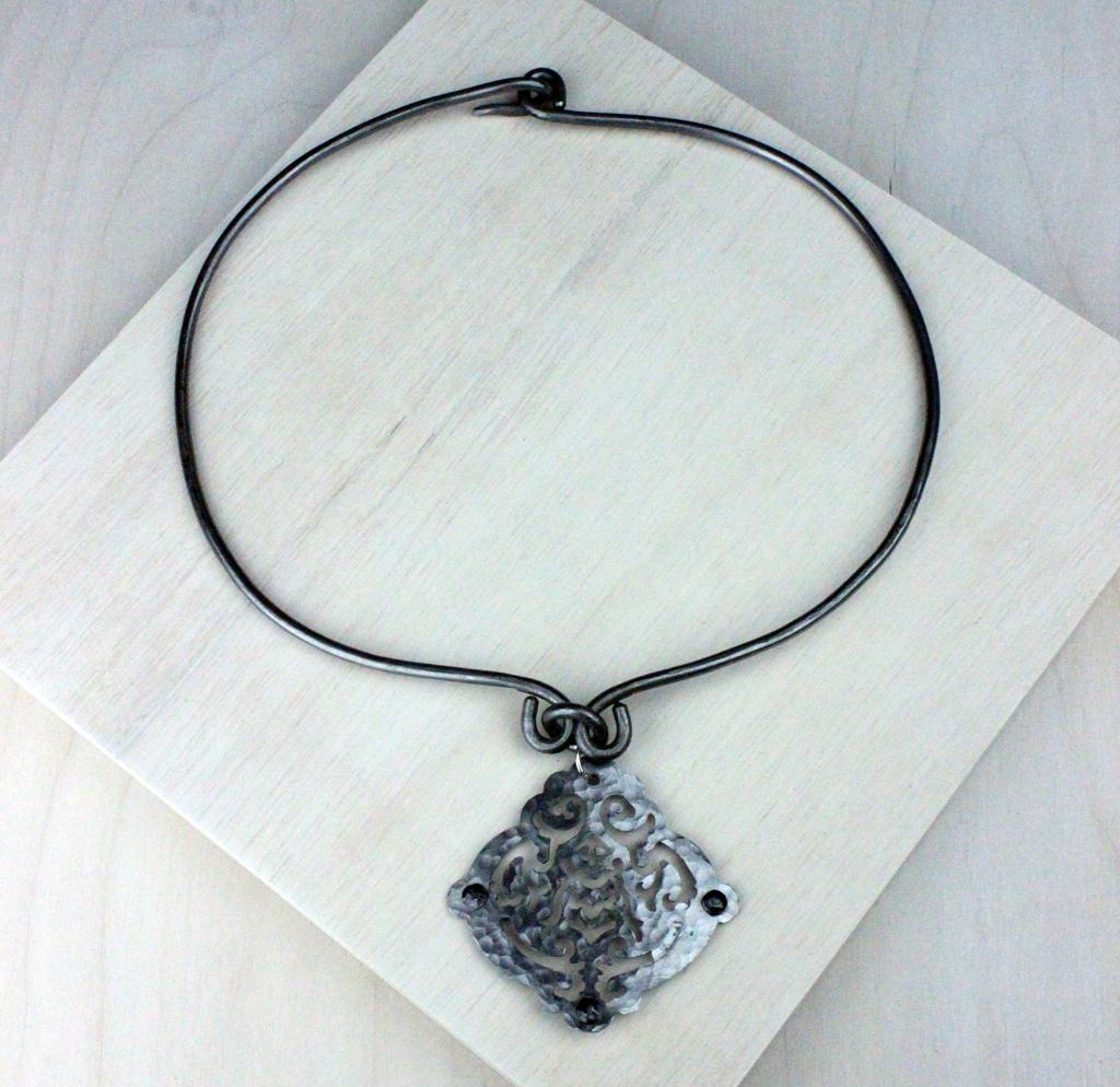 ellen-durkan-necklace2