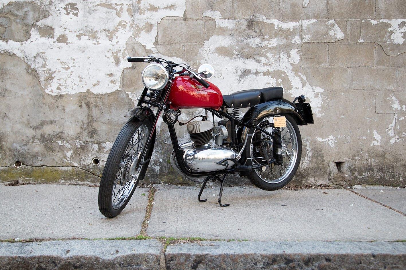 madhousemotors-1950-moto-morini3