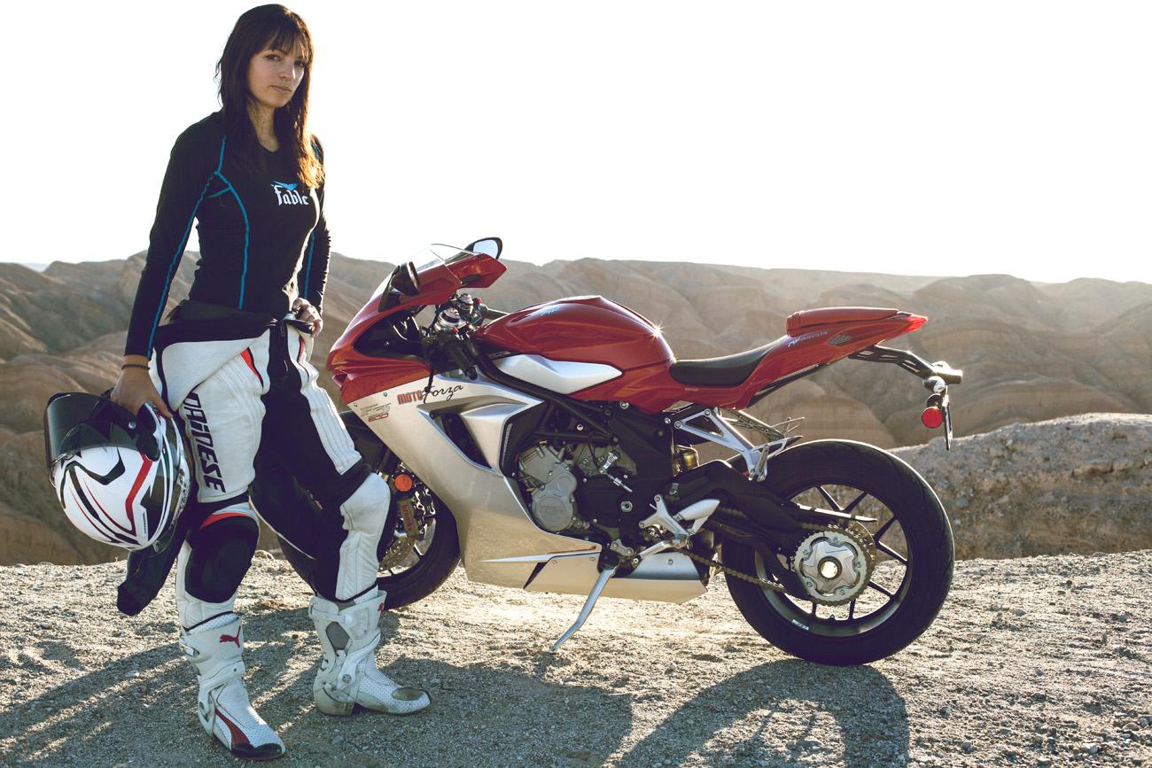 jen-dunstan-womens-moto-exhibit1