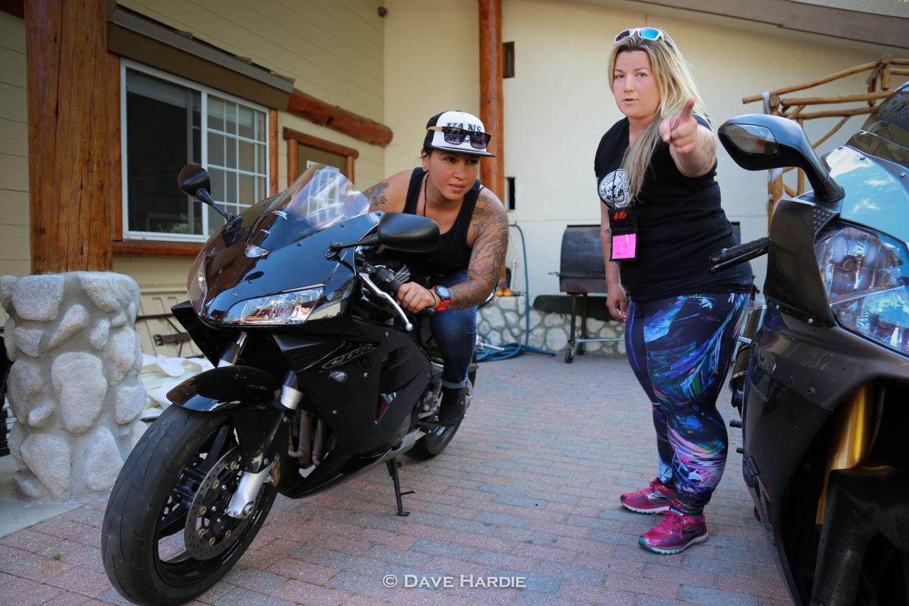 Real women on their sportsbikes — photo 5